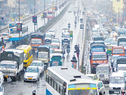 BBMP engineer, two others booked for hindering traffic flow