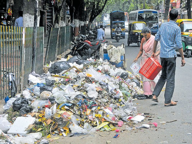 BBMP starts penalising people for littering, not sorting waste