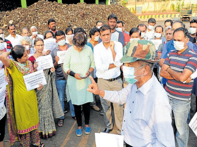 Residents protest as BBMP skips KCDC grievance meet