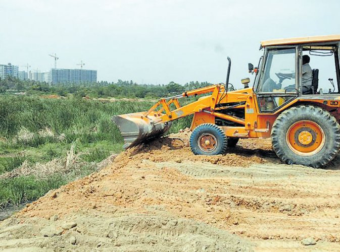 BDA files complaint over attempt  to encroach on Varthur lake
