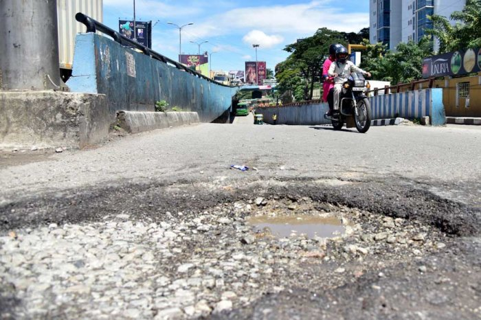 BBMP finds loophole in CM's pothole directive