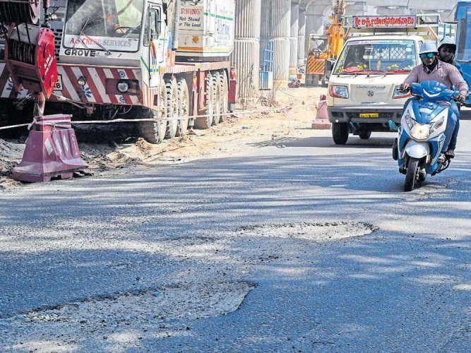Did BBMP suspend three engineers to cover up shoddy pothole filling?