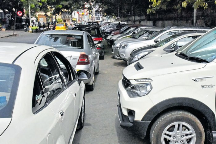 BBMP, traffic cops crack whip on buildings denying visitors' parking