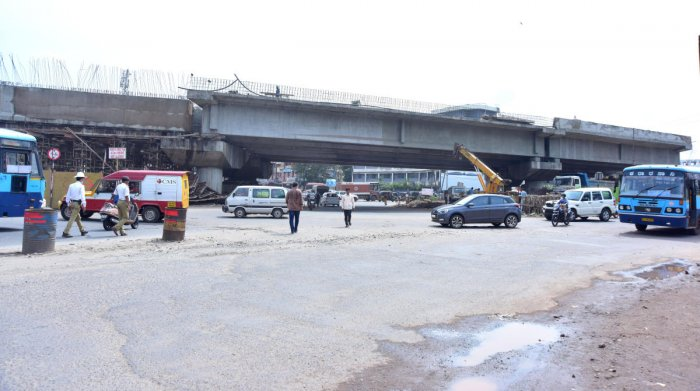 The height of the Pumpwell flyover is at 4.5 metres, in violation of the international and national specifications, according to a fact-finding team.