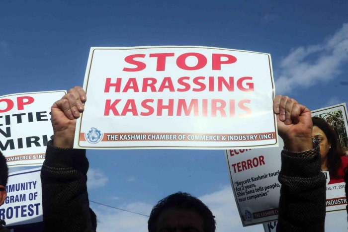 Kashmir trade bodies hold a demonstration against the attacks on the Kashmiri Muslim community in Jammu province and other parts of India in the wake of Pulwama attack. (Photo by Umer Asif)