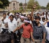 Thousands march for Telangana, two Cong MPs attacked