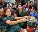 Cook-and-eat agitation in Hyderabad for Telangana state