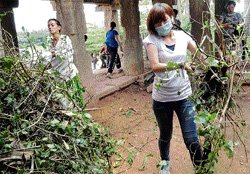 Foreign touch tackles neglect at Hampi