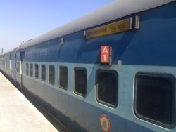 Bomb hoax delays Bangalore-bound Hampi Express