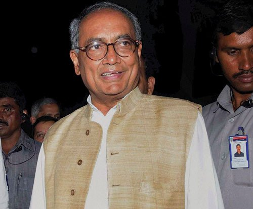 Cong top brass skirts decision on Telangana