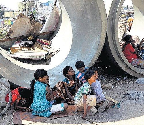 Mumbai, B'lore have highest  street children, says Assocham study