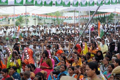 Massive public meet in Hyderabad demands early Telangana