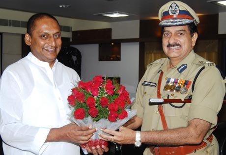 Denied extension, Andhra's ex-police chief slams CM