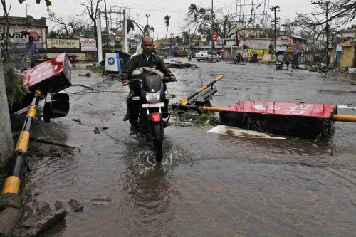 People from cyclone-hit area in Odisha going to Andhra for ATM