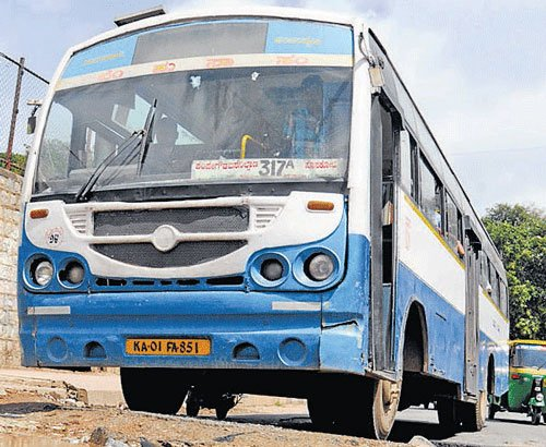Seemandhra bandh hits KSRTC services