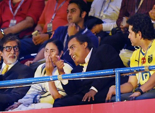Tendulkar the centre of attraction in ISL opening
