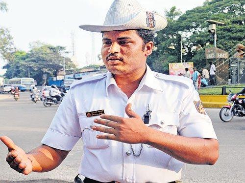 Hyderabad traffic cops to soon don 'Body Worn Cameras'
