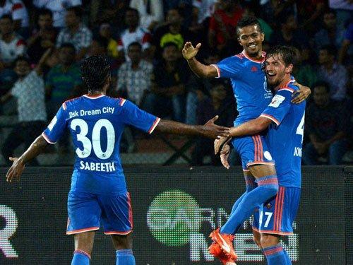 Delhi squander 2-goal lead, lose to Goa in ISL