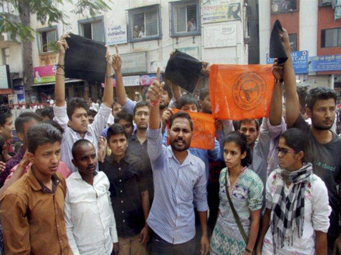 ABVP protests Rahul's visit, calls college bandh in Telangana
