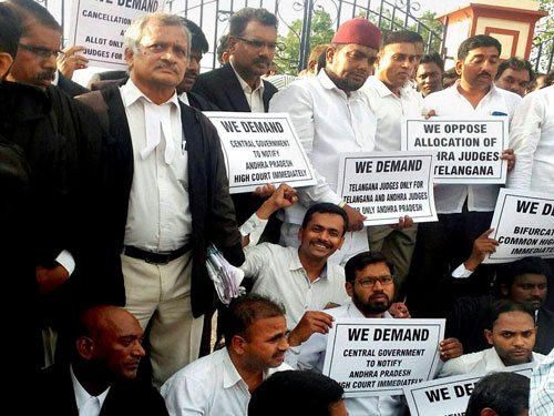 Telangana stir: Judges on mass leave bunk courts