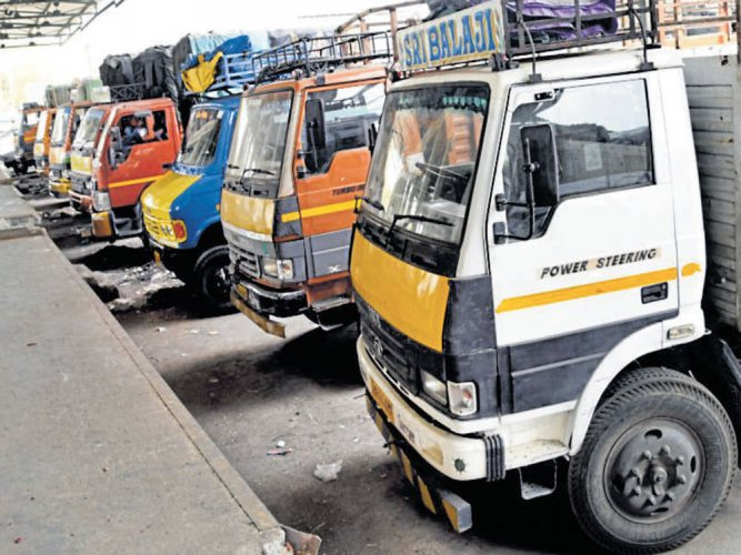 KSRTCto ferry essential goods  to offset truckers' stir effects