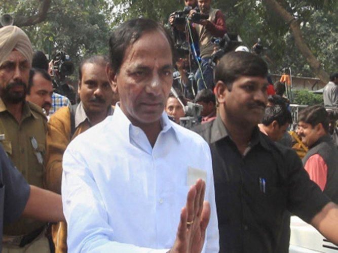 Telangana CM, cadre to be coolies for 2 days