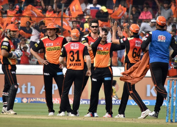 Sunrisers Hyderabad win toss, elect to bowl