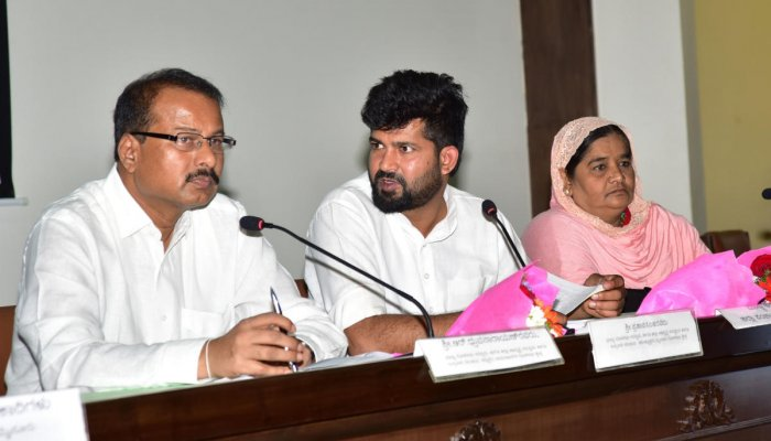 MP alleges lapses in allocating houses for slum dwellers
