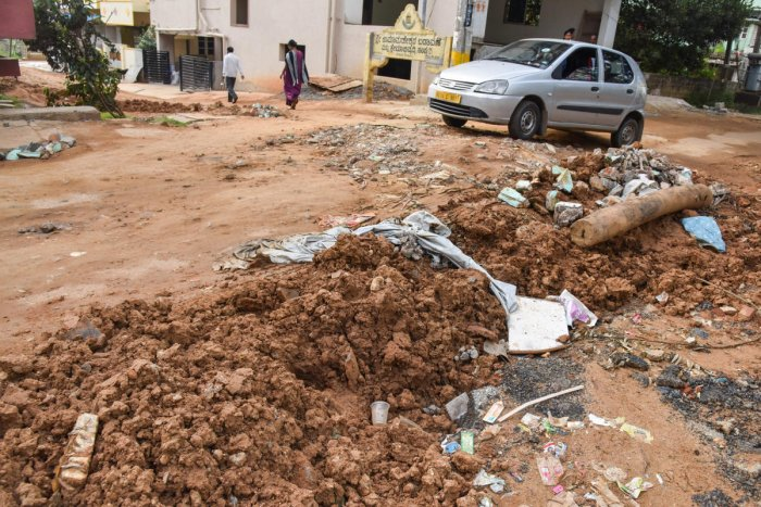 Doddakallasandra Road after BBMP carried out UGD work without asphlating the road (DH Photo by Dinesh)