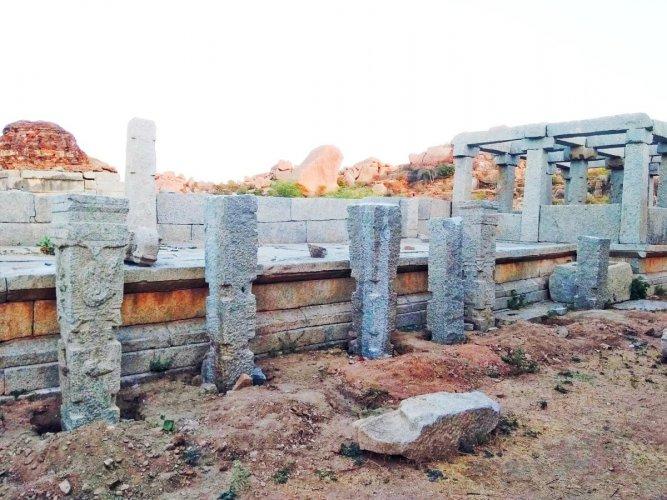 Hampi pillars being restored. DH photo.