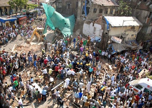 5 killed, 3 injured as building collapses in south Mumbai