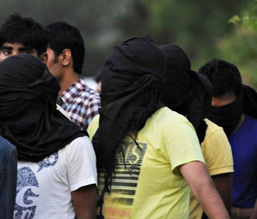 Tamil Nadu Police bust betting racket; 6 held