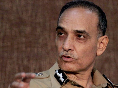 Former Mumbai police chief attacked in UP