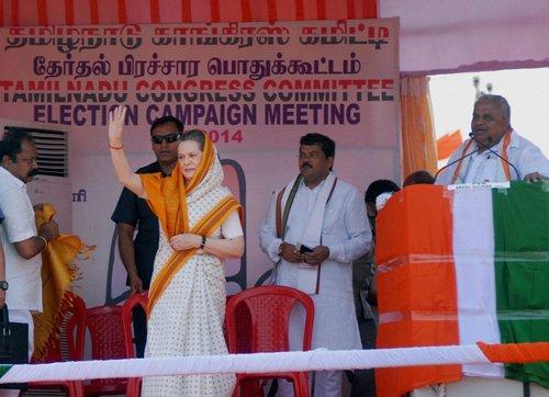 Under attack on SL Tamils issue, Sonia raises Rajiv's killing