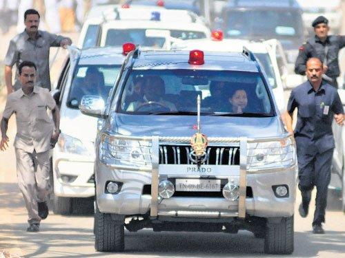 Jayalalithaa not getting VIP treatment: Jail official