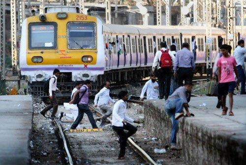 Suburban train derails in Mumbai, services hit