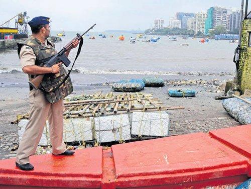 Mumbai on high alert after students spot men with arms