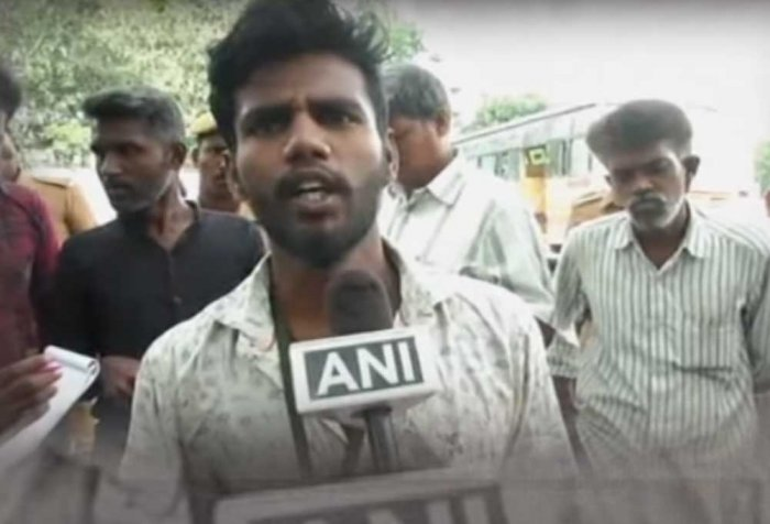 Coimbatore student begs to get transfer certificate