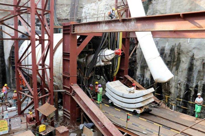 Tunnelling work begins for Mumbai Metro