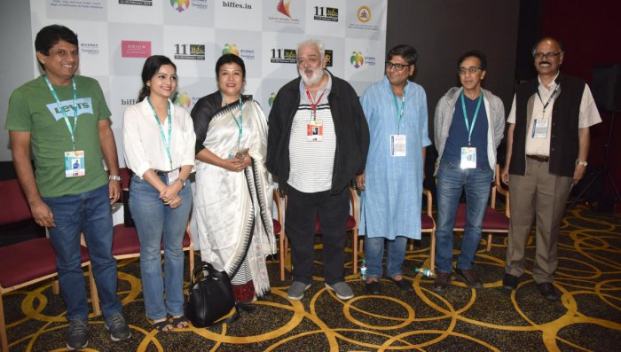 Anuruddha Jayasinghe, a film director from Sri Lanka; Sulakhyana Baruah, actor; Sunita Kapoor, producer, Magi Matambakta; Rahul Rawil, filmmaker; Kamakhya Narayan Singh, film director, Ravi Bharwani, film director and producer from Indonesia; and N Vidyashankar, Artistic Director, Biffes, at a media conference at the Bengaluru International Film Festival (BIFFes) in Bengaluru on Saturday. DH PHOTO/S K DINESH