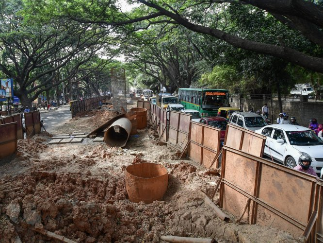 The BBMP requires 16.52 acres of defence land for various civic projects. DH FILE PHOTO