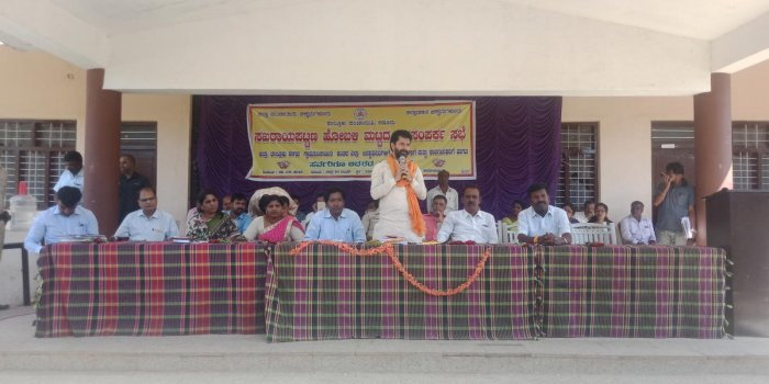 MLA C T Ravi speaks at a Janasamparka Sabhe at Sakharayapattana on Tuesday.