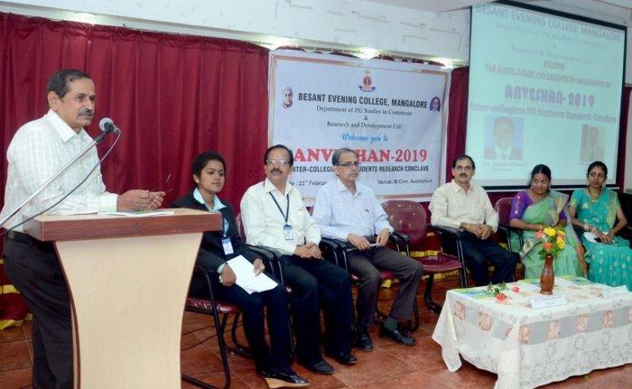 Prof Shreepathi Kalluraya of Mangalore University speaks at 'Anveshan 2019' at Besant Evening College in Mangaluru.