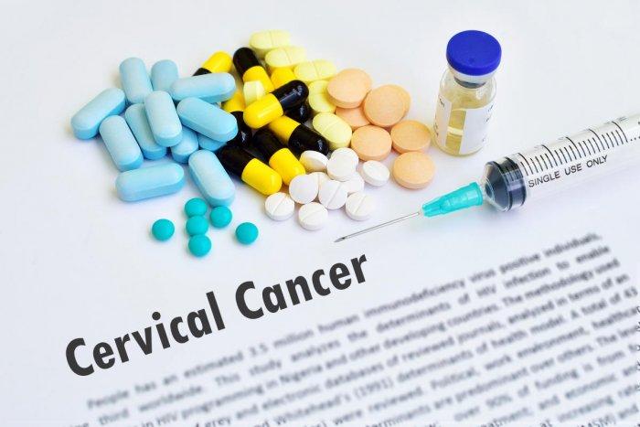 Drugs and syringe for cervical cancer treatment (Representative image)