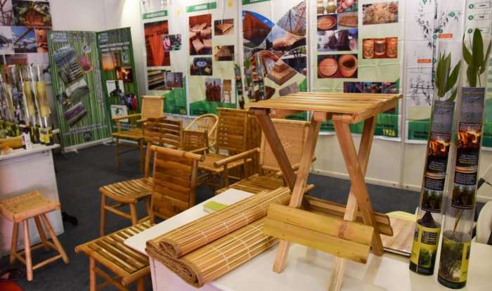 A stall displays bamboo products at the Asean summit in the city on Wednesday. DH PHOTO/B H SHIVAKUMAR