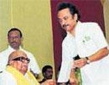 DMK, Congress formalise poll pact