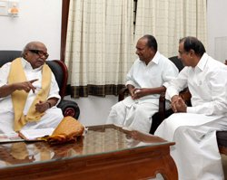 DMK toughens stand, Cong non-commital