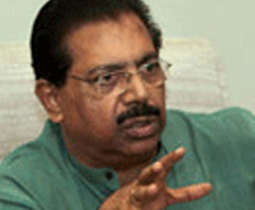 Calling more witnesses on 2G scam: DMK-Chacko tussle escalates
