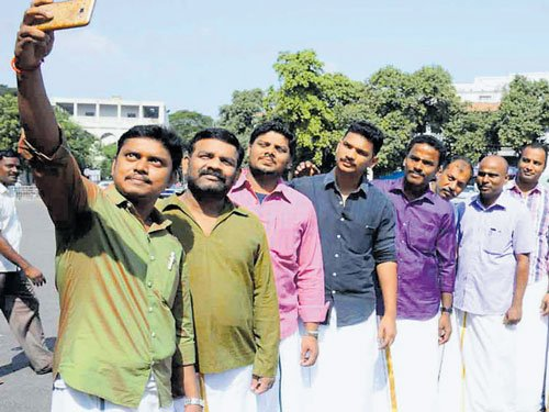 Dhoti Day gives new impetus to ethnic wear in Tamil Nadu