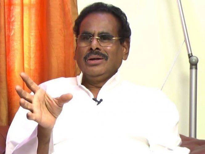 Natarajan accuses BJP of trying to destabilise AIADMK govt